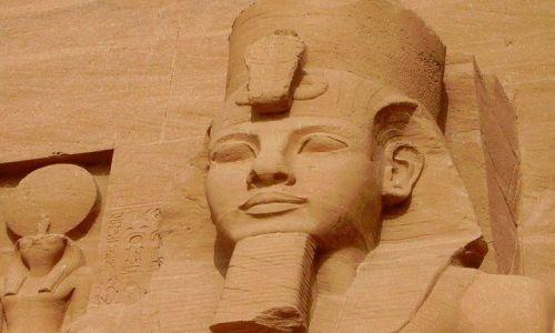 Zdjecie EGIPT / Abu Simbel / światynia w Abu Simbel / uśmiech Faraona