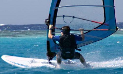 Zdjecie EGIPT / P�. Synajski / Dahab / windsurfing na