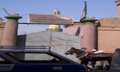 Zdjecie EGIPT / Luksor / Policja / Brama