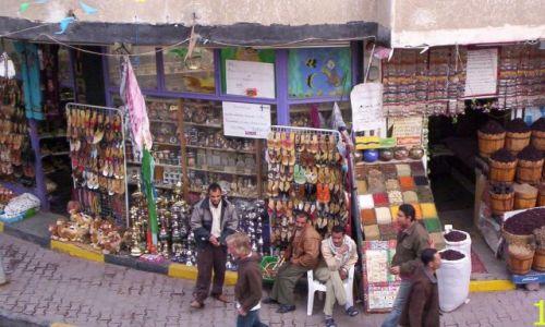 Zdjecie EGIPT / Hurgada / Restauracja El Dhara / Panowie pracują