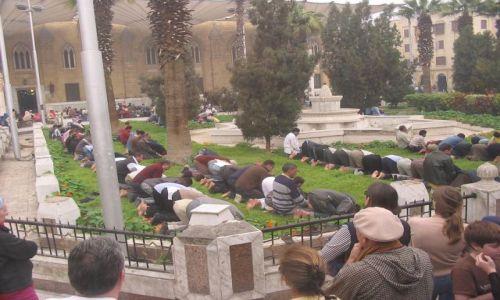 Zdjecie EGIPT / brak / Kair / Islamskie modły w samo południe