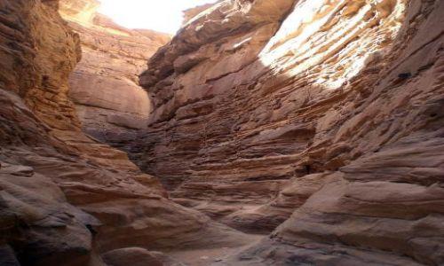 Zdjęcie EGIPT / Synaj / Kolorowy Kanion / Wązkie przejścia