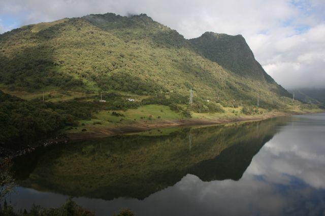 Zdjęcia: 1,5 godziny jazy autem od kito (kiepskie drogi), Idealne jezioro na wys. 4000 m n.p.m. cd., EKWADOR