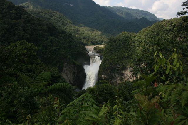 Zdjęcia: w drodze, wodospad 140m, EKWADOR