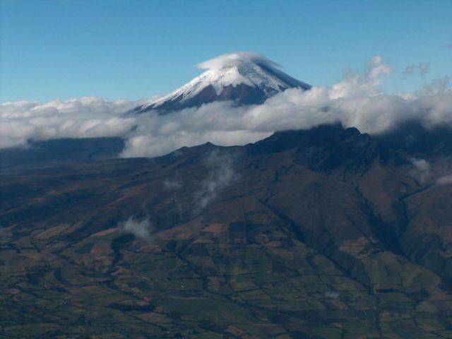 Zdjęcia: Środkowy Ekwador, Wulkan Cotopaxi z okna samolotu, EKWADOR