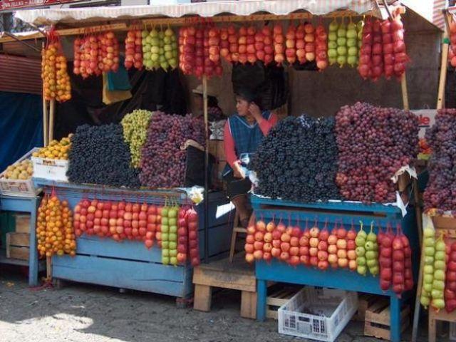 Zdj�cia: Otavalo, Targ spo�ywczy w Otavalo, EKWADOR