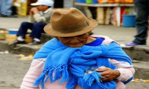 Zdjęcie EKWADOR / Quito / Quito / Staruszka
