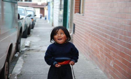 Zdjecie EKWADOR / Ekwador / Ulica / Mała Indianka
