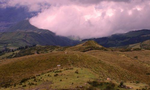 Zdjecie EKWADOR / góry i wulkany andyjskie / okolice Quito / zagotowało się