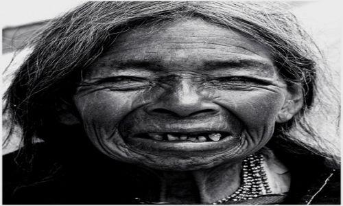 Zdjecie EKWADOR / Otavalo / Otavalo / uśmiech