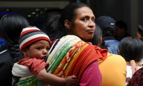Zdjęcie EKWADOR / północny Ekwador / Otavalo / Spojrzenie