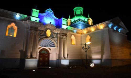 Zdjęcie EKWADOR / aleja wulkanów / Latacunga / Kościół nocą