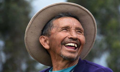 EKWADOR / aleja wulkan�w / Niedaleko Parku Narodowego Cotopaxi / U�miech pasterza