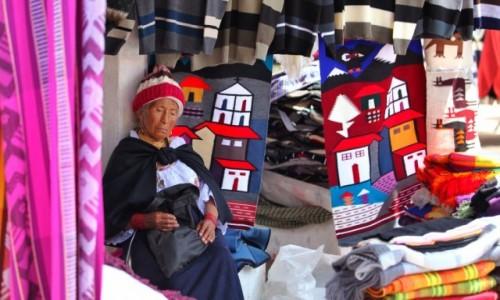 Zdjęcie EKWADOR / Otavalo  / Otavalo market / Znużenie pracą
