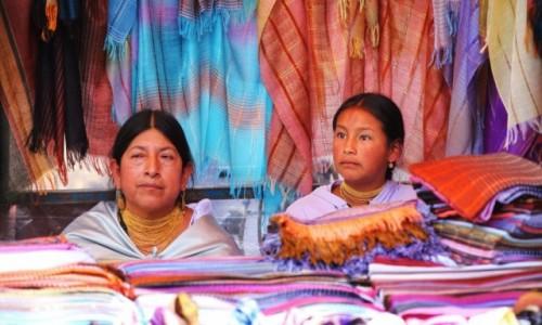 Zdjecie EKWADOR / Otavalo  / Otavalo market / Kupic sprzedac