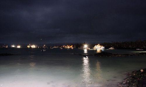 Zdjęcie EKWADOR / brak / Galapagos / zatoka nocą