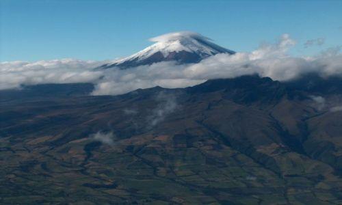 Zdjecie EKWADOR / brak / Środkowy Ekwador / Wulkan Cotopaxi z okna samolotu