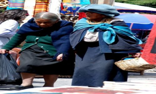 EKWADOR / Otavalo / targ w Otavalo / na targ w Otavalo