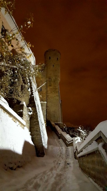 Zdjęcia: Tallinn, Harjumaa, Tallinn nocą - na murach miasta, ESTONIA