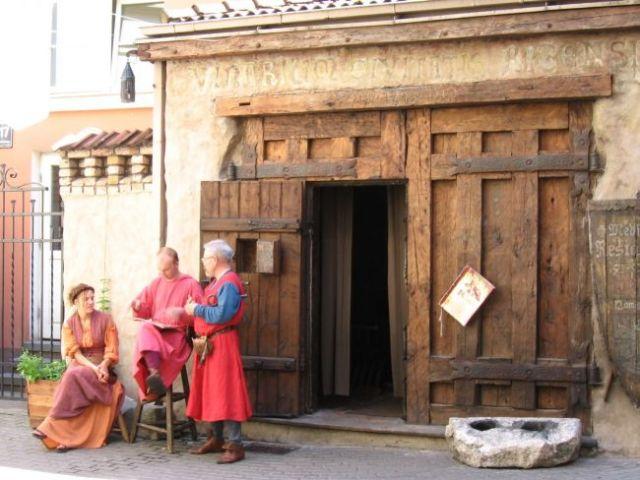 Zdjęcia: Tallin, przed średniowieczną restauracją, ESTONIA