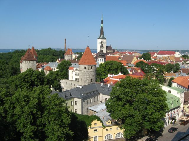 Zdjęcia: Tallin - Stare Miasto, Tallin, Wieżyczki, wieże i dachy, ESTONIA
