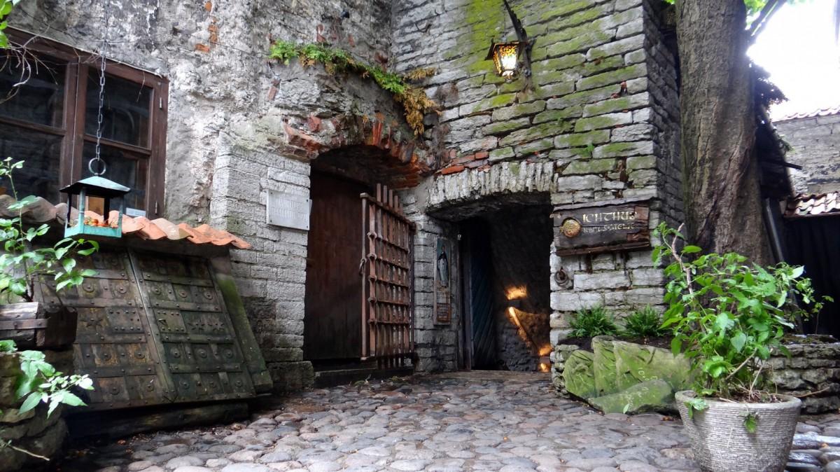Zdjęcia: Tallinn, Harjumaa, U Dominikanów, ESTONIA