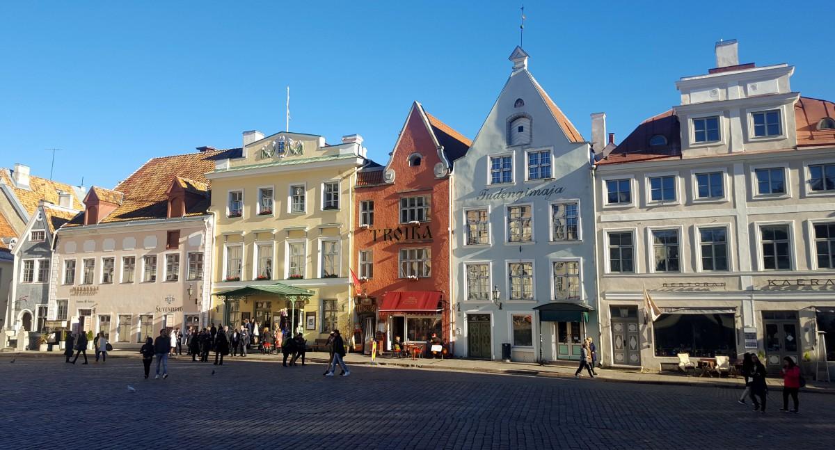 Zdjęcia: Tallinn, Harjumaa, Kamieniczki Starego Miasta, ESTONIA