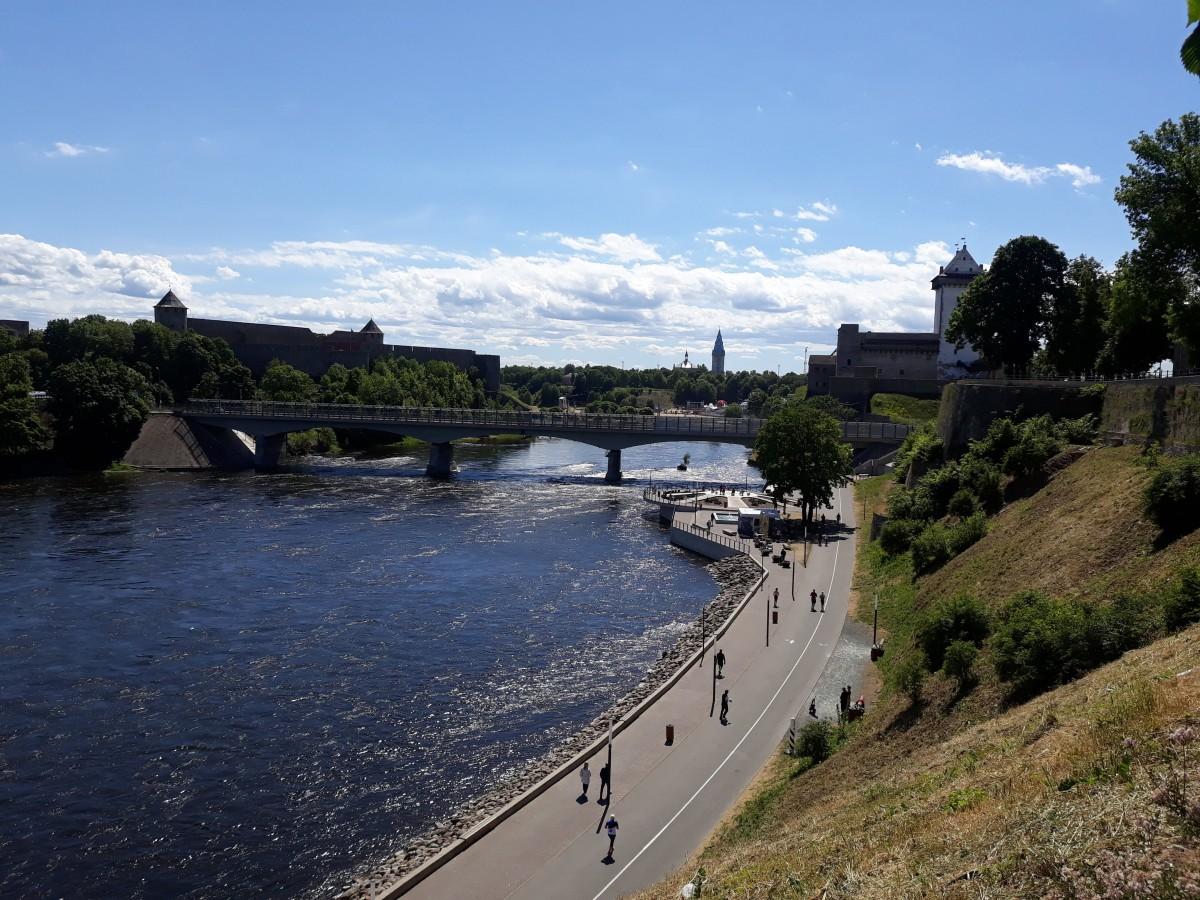 Zdjęcia: Narwa, Wironia Wschodnia, Bulwary nad rzeką Narwą., ESTONIA