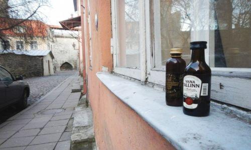 Zdjecie ESTONIA / - / Tallin / Vana Tallinn - tradycyjny likier dla turystów ;) na starówce (Tallin)