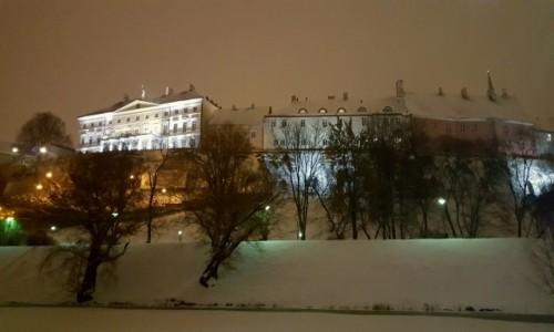 ESTONIA / Harjumaa / Tallinn / Zimowo - na murach miasta
