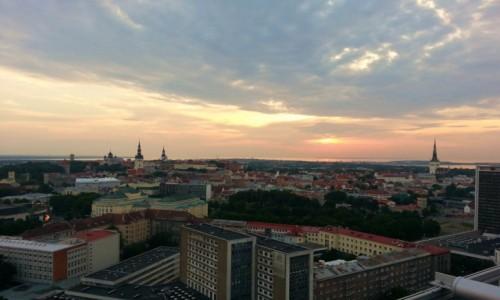 Zdjecie ESTONIA / Tallin / Tallin / Tallin idzie spać