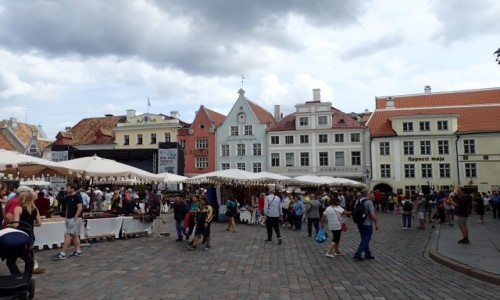 Zdjęcie ESTONIA / - / Tallinn / Tallińska starówka - rynek