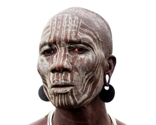 Zdjęcia: Bodu, Omo, Mężczyzna patrzy, ETIOPIA