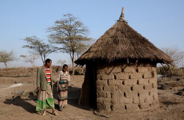 Zdjęcia: w trasie, Dolina Omo, Gospodarze, ETIOPIA