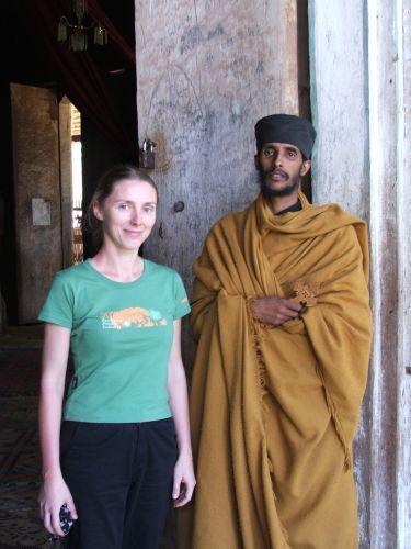 Zdjęcia: wyspy na jeziorze Tana, Bahir Dar, Z mnichem, ETIOPIA