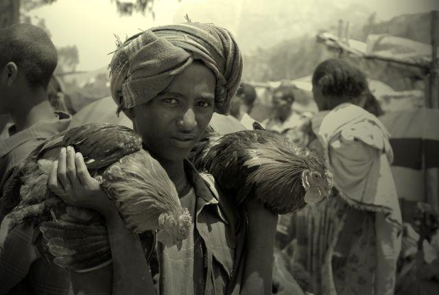 Zdjęcia: napotkany po drodze targ, Dolina Omo, na targu, ETIOPIA