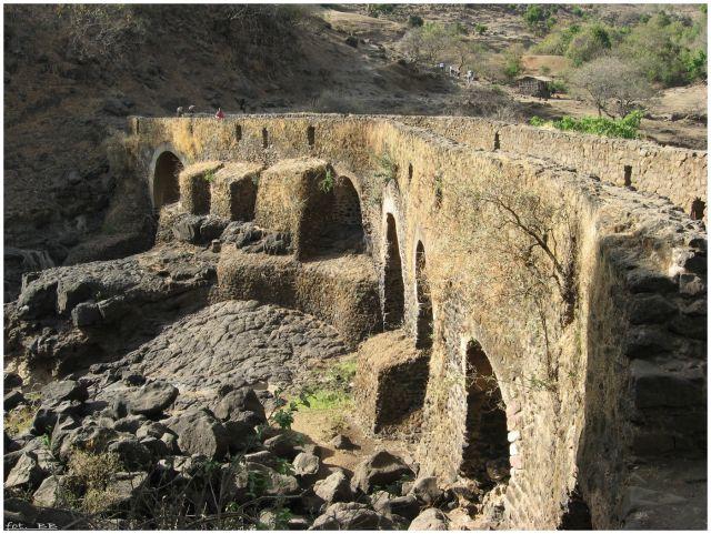 Zdjęcia: Tis Ysat, Etiopia Północna, Tis Ysat - XVII wieczny most, ETIOPIA