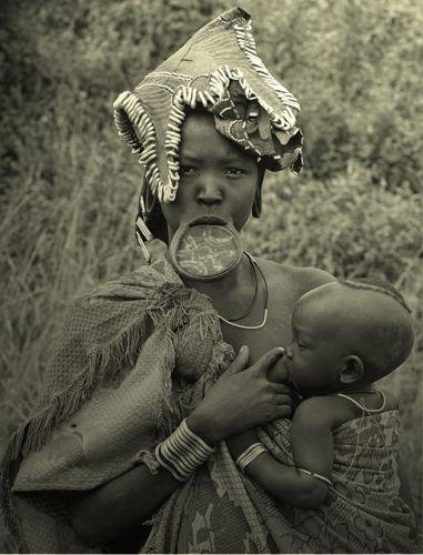 Zdjęcia: wioska Mursi, Dolina Omo, Macierzyństwo, ETIOPIA