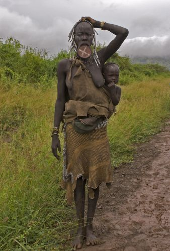 Zdj�cia: wioska Mursi, Dolina Omo, Mursi, ETIOPIA