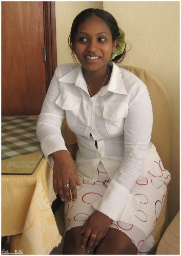 Zdjęcia: Axum, Axum, Dziewczyna z kafejki, ETIOPIA