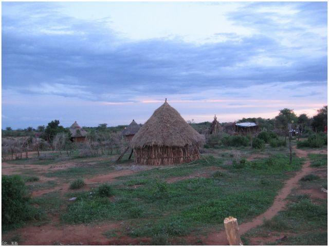 Zdj�cia: Turmi  , Etiopia - po�udnie, Chwila przed zmierzchem, ETIOPIA