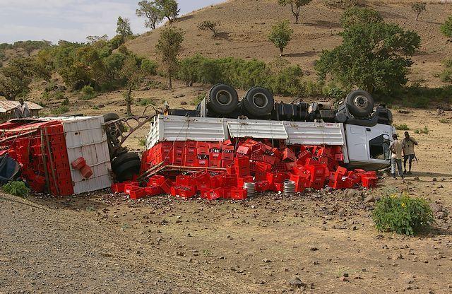 Zdjęcia: gdzieś po drodze, Północna - środkowa Etiopia, Wypadki chodzą po ludziach, ETIOPIA