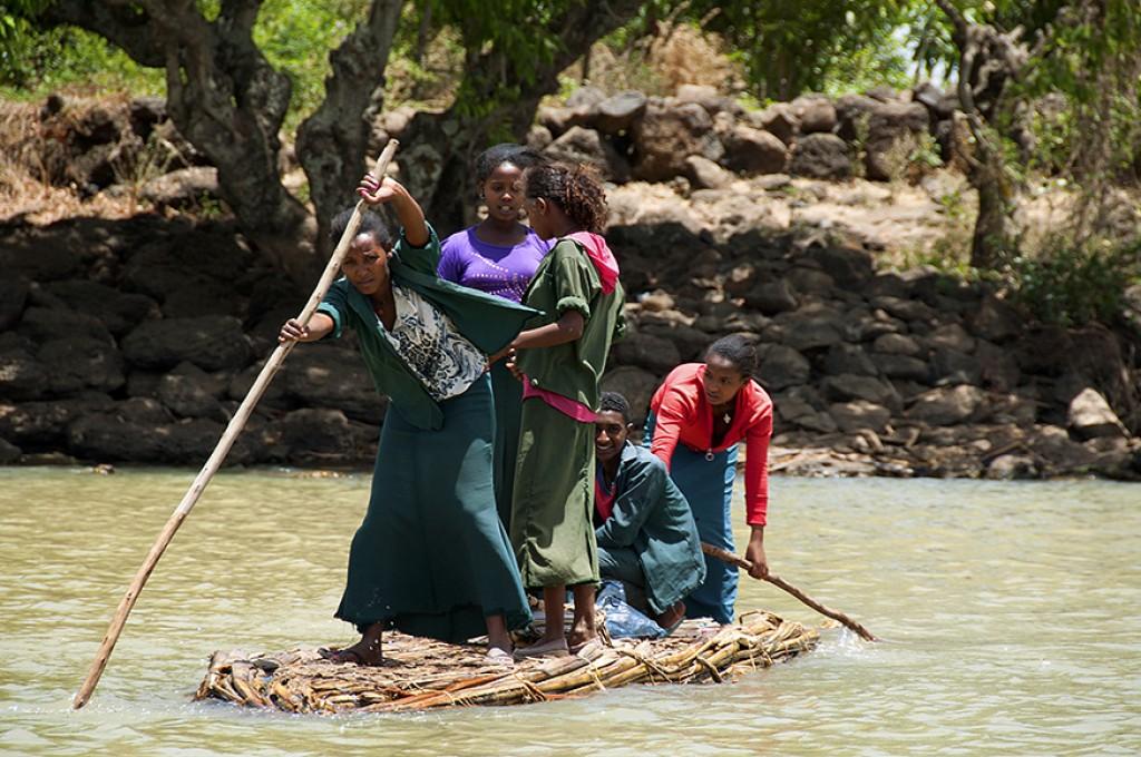 Zdjęcia: Jezioro Tana, w drodze do szkoły, ETIOPIA