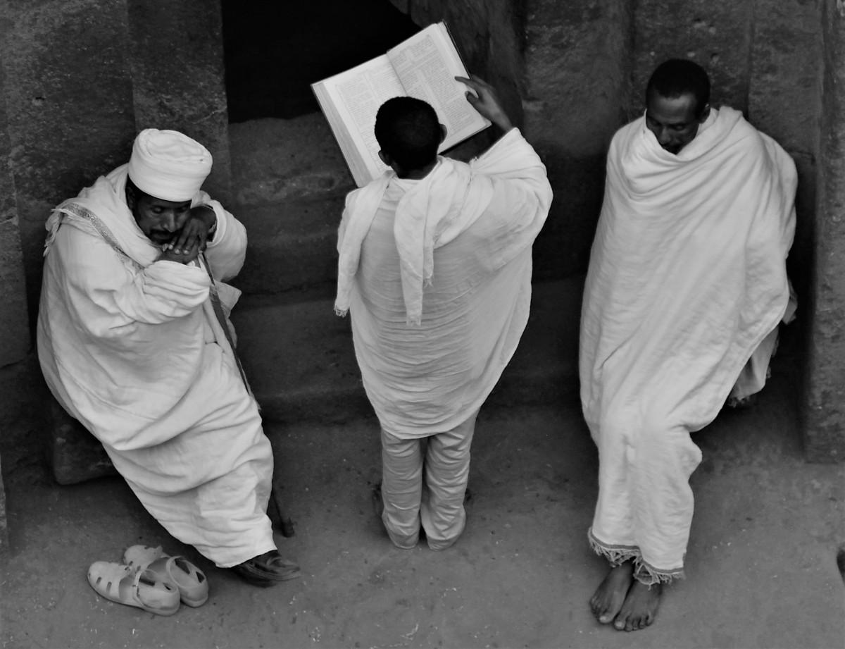 Zdjęcia: Lalibela, Kościół Św. Jerzego (Bete Giorgis), Amhara, Nabożeństwo, ETIOPIA