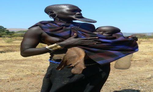 Zdjecie ETIOPIA / - / Dolina Omo / Mama Mursi'anka