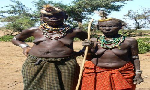 ETIOPIA / - / Dolina Omo / Babcie dwie.