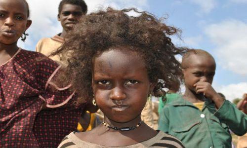 Zdjecie ETIOPIA / Srd Etiopia  / Srd Etiopia / Dziewczynka z rozwianym włosem