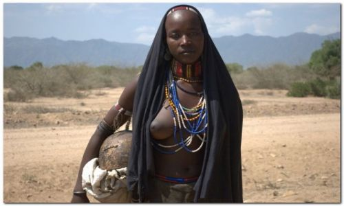 Zdjecie ETIOPIA / Płd Etiopia  / Dolina rzeki Omo / Panna z plemien