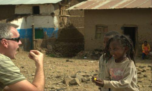 Zdjecie ETIOPIA / Srd Etiopia  / Srd Etiopia / Pierwsza lekcja jedzenia słodyczy