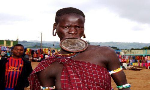 Zdjęcie ETIOPIA / Omo / Turmi / Piękno moze przerażać